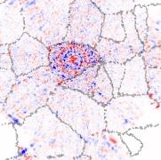 Proyecciones de la densidad de espín local en un grafeno policristinalino: paquete de ondas tras atravesar varias fronteras de grano y esta deslocalizado en toda la muestra. Stephan Roche (ICREA &CIN2)